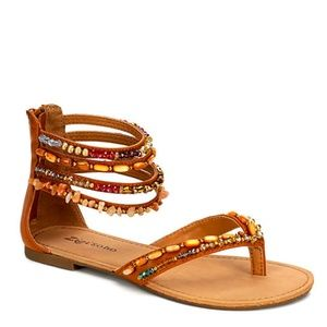 Zigi Soho Palmy Top Banana Flat Sandals NIB size 9